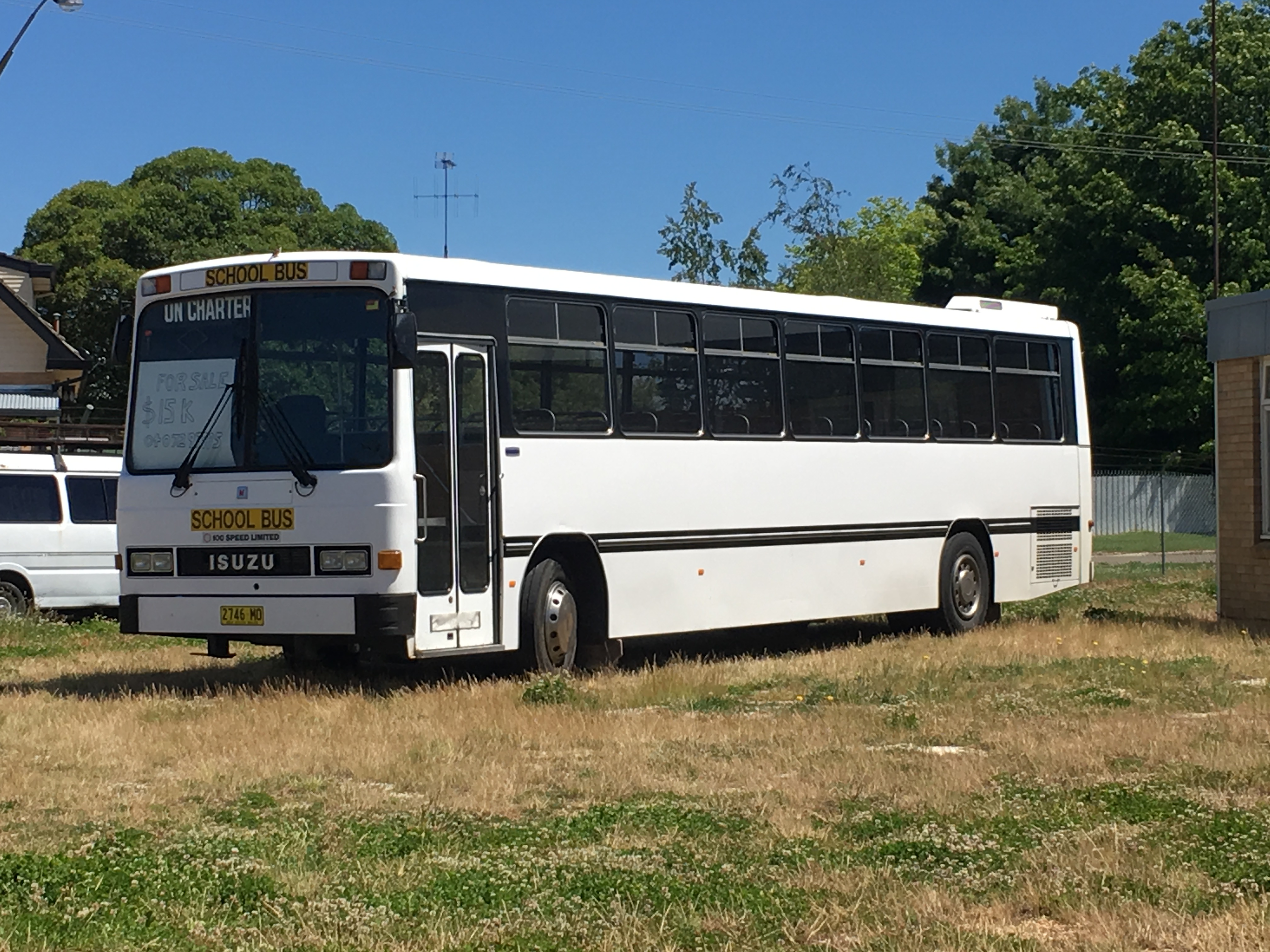 isuzu bus pics